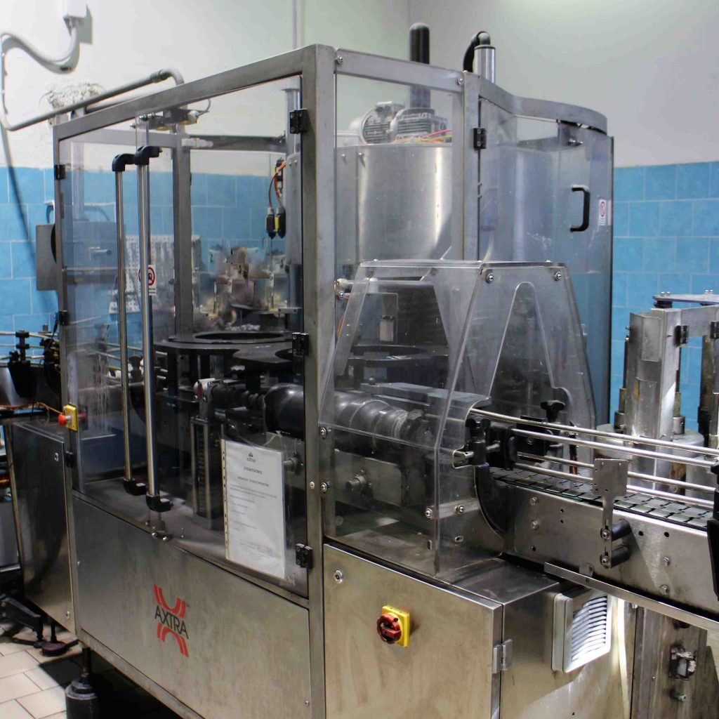 E 7 - Used labeling machine
