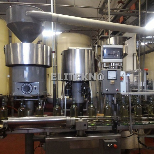 Used corker BERTOLASO VA for screw cap, 8.000 bph